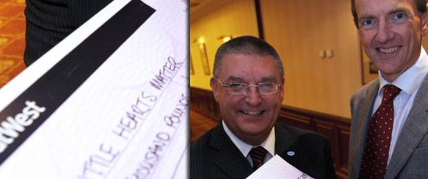 Retra Donates £2000 to Childrens Charity